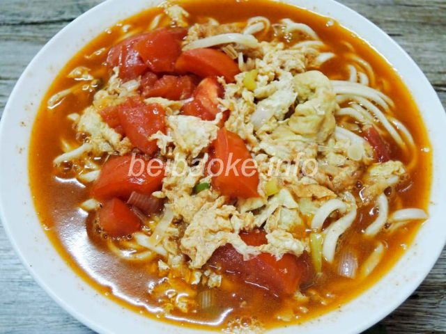 西紅柿鶏蛋麺