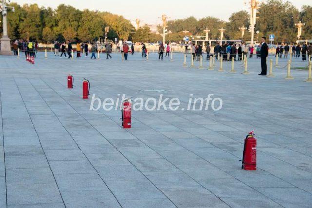 天安門広場の消火器