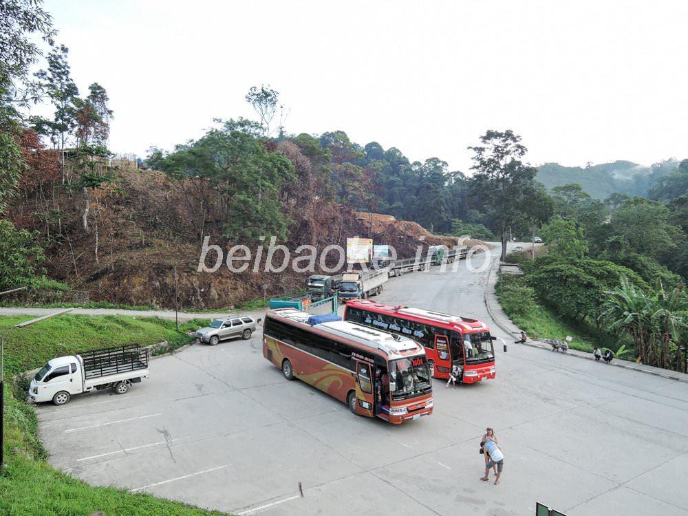 ベトナム行き国際バス