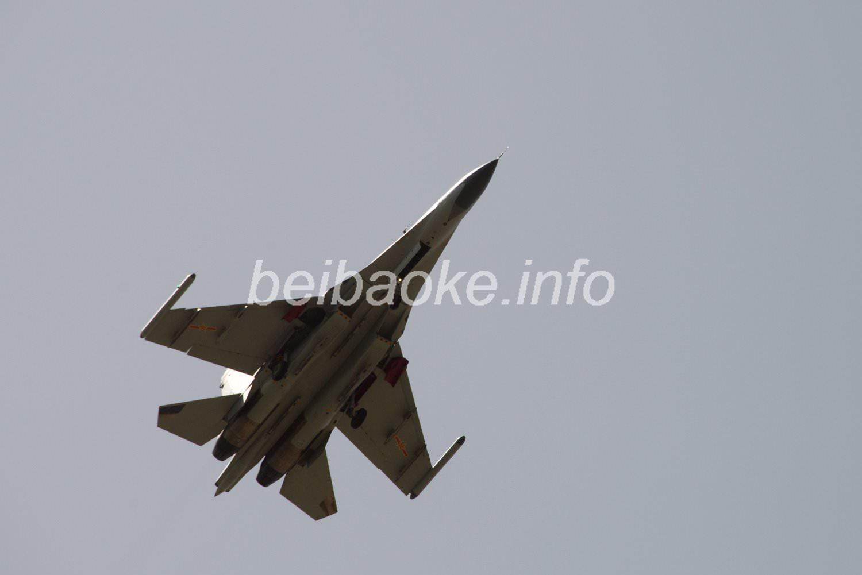 中国軍戦闘機