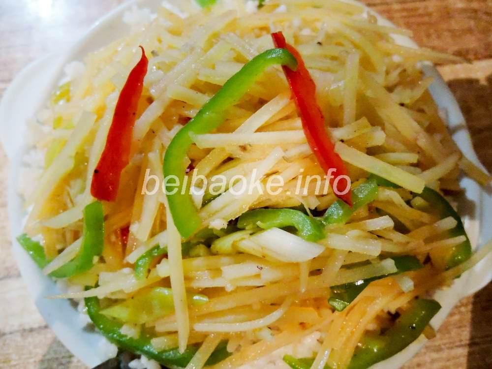 青椒土豆絲蓋飯