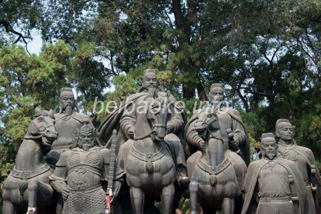 李世民たちの像
